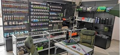 Торгове обладнання для магазинів спортивного спорядження